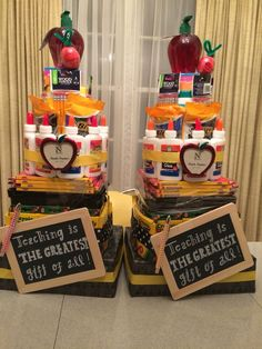 Teacher supply cakes -Carnival idea: Raffle for teacher(s) to win supply cake. Teacher Supply Cake, Teacher Cakes, New Teacher Gifts, Teacher Gift Baskets, Teacher Appreciation Gifts, Employee Appreciation, School Teacher, School Fun, School Ideas