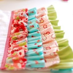 Make your Kitchen Towel glamorous with luscious ruffles in this easy to follow sewing tutorial!