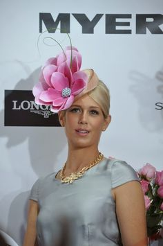 Get in early for the races and shop the best fascinators at www.fashionaddict.com.au