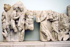 Lastre 16 e 17: Telefo ottiene armi da Auge, metà del II a. C., marmo scolpito a rilievo, Pergamo, Berlino Pergamonmuseum.