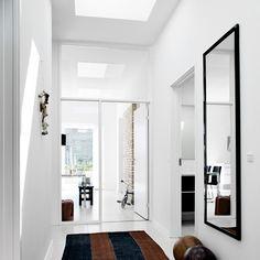 VELUX ovenlyskuplen puster lys i dunkle rum, og så er den som skabt til det flade tag, fordi den ikke forstyrrer husets udvendige arkitektur