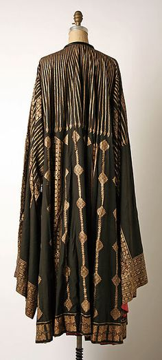 Evening coat, Mariano Fortuny for the House of Fortuny, 1900-1933, silk and glass, The Metropolitan Museum of Art.