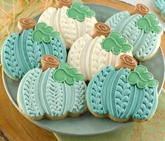 Fall Decorated Cookies, Fall Cookies, Iced Cookies, Cut Out Cookies, Cute Cookies, Royal Icing Cookies, Holiday Cookies, Cupcake Cookies, Cookies Et Biscuits