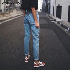 Vintage ladies boyfriend jeans for women mom high waisted jeans blue casual pencil trousers korean streetwear denim pants in 2019 Mode Outfits, Casual Outfits, Fashion Outfits, Womens Fashion, Sneakers Fashion, Fashion Styles, Casual Jeans, Men Casual, Fashion Images