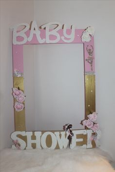 Time for give to the future mom a beautiful smile. Future Mom, Make Happy, Happy Moments, Girl Shower, Beautiful Smile, Instagram Ideas, Frame, Baby, Handmade