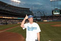 """Matthew Perry of """"Go On"""" Throws Out First Pitch at The Dodgers VS. Padres Game"""
