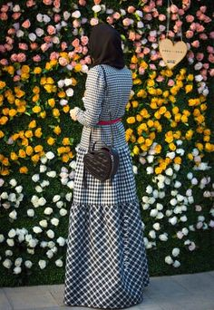 checkered dress checkered dress outfit islamic clothes islamic clothes online usa islamic clothes near me Muslim Women Fashion, Islamic Fashion, Modest Fashion, Hijab Fashion, Fashion Dresses, Muslim Dress, Hijab Dress, Hijab Outfit, Beautiful Hijab