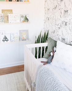 Best baby nursery ideas for boy small spaces children Ideas - Modern Boy Nursery Themes, Girl Nursery, Girl Room, Nursery Decor, Nursery Ideas, Nursery Modern, White Nursery, Baby Room Neutral, Nursery Neutral