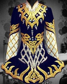 gorgeous gold Celtic Star
