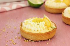 Citrus tart with lime, lemon and yuzu Citrus Tart, Delicious Recipes, Yummy Food, Cheesecake, Lemon, Homemade, Baking, Desserts, Tailgate Desserts
