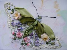 This ribbonwork dragonfly from Burdastyle Russia is breathtaking, right?