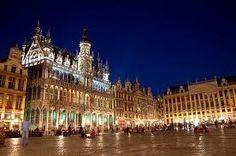 Planear un viaje a Bruselas, Bélgica con mis amigos.