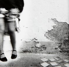 jumping around in mary janes and tights - vintage photography, Rome, c1977 (Francesca Woodman)