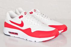 Yesterdays crispy look at the Air Max 1 Ultra Moire got us salivating, but todays taste takes on a slice of OG AM1 form in this racy red tune-up. This colour way has been done,…