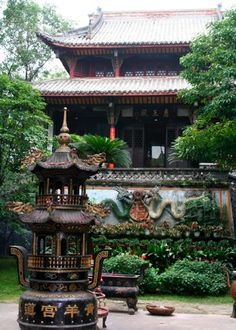 Qingyang Gong: My favorite Daoist monastery in Chengdu, China (actually, my favorite monastery in all of China). August 2007