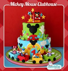 Mickey Mouse Clubhouse cake with toy figurines!