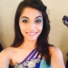"Bio     Real Name  Shivani Patel   Nickname  Shivu   Profession Dancer, Choreographer   Physical Stats & More   Height (approx.) centimeters- 160 cm meters- 1.60 m Feet-Inches- 5' 3""   Weight (approx."