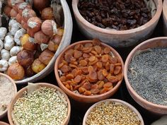 This is where the lentil truly shines in the plant-based food world! Lentils offer a wide variety of textures, flavors, and uses while also supplementing many of the nutritional benefits of meat. Healthy Foods To Buy, Good Healthy Recipes, Vegan Recipes, Plant Based Diet, Plant Based Recipes, Phytoestrogen Foods, Snacks Saludables, Vegetarian Options, Lentils