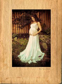 Maternity shoot in the Garden
