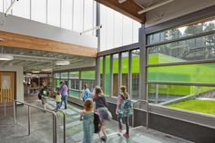 Panther Lake Elementary School / DLR Group.