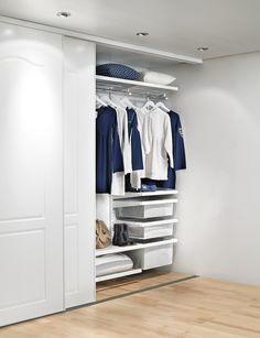 Встроенный шкаф-купе в прихожую (57 фото): виды и материалы http://happymodern.ru/vstroennyj-shkaf-kupe-v-prixozhuyu-foto-vidy-i-materialy/ В одном шкафу можно отлично вместить разные системы хранения