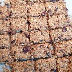 Σπιτικές μπάρες δημητριακών (granola) συνταγή από marilouthegreat - Cookpad Granola, Banana Bread, Vegan, Cookies, Desserts, Food, Crack Crackers, Tailgate Desserts, Deserts