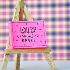 This cute mini easel is perfect for stylish your Post-it notes! a step by step photo tutorial can be found on the blog! (in Spanish & English)