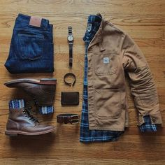 Beige and blue is an easy-to-wear combination: it makes a perfect workwear outfi… Beige and blue is an easy-to-wear combination: it makes a perfect workwear outfit on a flannel shirt and a cotton work jacket. By Carter Cuffington. Mens Fall Outfits, Flannel Outfits, Casual Outfits, Men Casual, Stylish Mens Outfits, Autumn Outfits, Mode Outfits, Fashion Outfits, Mens Flannel Shirt