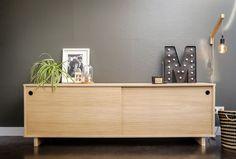 cabinet / oak / sliding doors / wood  www.opsmuk.be