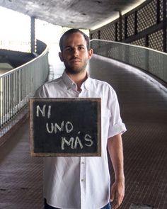 #12AccionesPorLaPaz Día 8: Derecho a la protesta pacífica. . Hoy @_cepaz nos propone realizar un acto de protesta pacífica y difundirlo en redes. . Hoy denunciamos ante los medios de comunicación social la emergencia humanitaria que vivimos los jóvenes y la violación de todos nuestros derechos humanos. Alzar la voz también es un acto de protesta. Y lo simbolizo con esta fotografía que me hizo @ndudier. En Venezuela ni un niño más debe abandonar la escuela. Ni un joven más debe abandonar la…