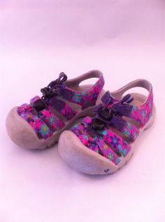 Keen Croc-Sandles Girl's Size 9 - Free Shipping! $14.57 Kids Clothes Sale, Crocs, Baby Shoes, Free Shipping, Fashion, Moda, Fashion Styles, Fashion Illustrations