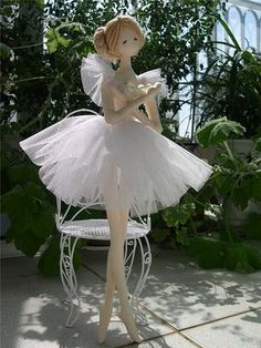 Beautiful ballerina doll...and photos to create many other dolls.