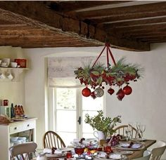 Adorable Rustic Christmas Kitchen Decoration Ideas 28 Source by Christmas Dining Table, Christmas Table Decorations, Christmas Kitchen, Decoration Table, Rustic Christmas, Christmas Home, Scandinavian Christmas, Kitchen Decorations, White Christmas