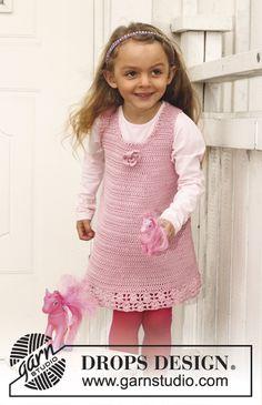 "Crochet DROPS dress with lace pattern in ""Muskat"". Size 3 - 12 years. ~ DROPS Design-free pattern."