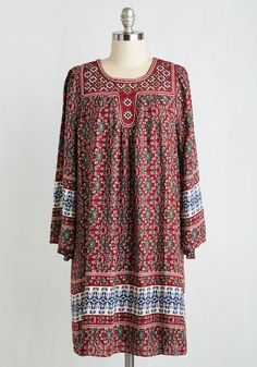 Apartment Shopping Dress. Envisioning what it might be like to live in each flat you enter is easy, for you feel your truest self in this boho-inspired dress! #multi #modcloth