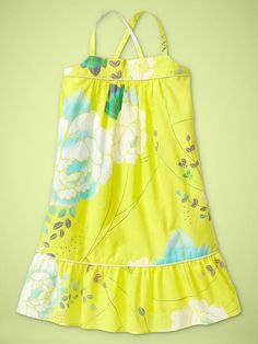 Another cute dress I need to make. Probably not in yellow as she is pasty white like her parents...