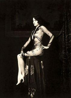Ziegfeld Follies Girls 1920 Broadway 11 Les filles des Ziegfeld Follies dans les années 1920  photo