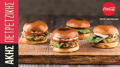 Tuna burgers by Greek chef Akis Petretzikis. Make the best tuna burgers with this extremely delicious, aromatic recipe and serve on buns with tartar sauce! Tuna Tartar, Tartar Sauce, Tuna Burgers, Recipe For Success, Greek Recipes, Fish And Seafood, Cooking Time, Food And Drink, Easy Meals