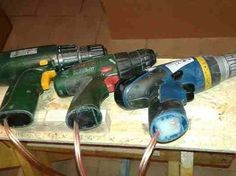 Cordless machines / cordless screwdrivers upcycling - building instructions to build yourself - . Cordless machines / cordless screwdrivers upcycling – building instructions to build yourself – Homemade Tools, Diy Tools, Tool Workbench, Woodsmith Plans, Cordless Tools, Diy Electronics, Electronics Projects, Diy Garden Decor, Battery Operated