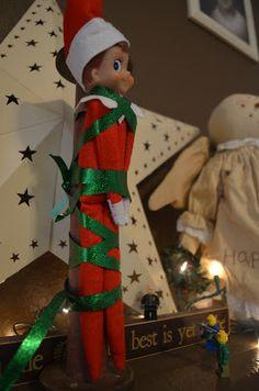 Crafty Mom of 3: Elf on a Shelf: Week 1