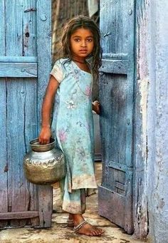 40 Ideas for photography portrait children girls Precious Children, Beautiful Children, Beautiful World, Beautiful People, Beautiful Images, Jolie Photo, Baby Kind, World Cultures, Incredible India
