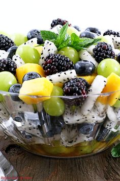 refreshing and crowd-pleasing Summer Fruit Salad Recipe is perfect healthy dessert or a snack anytime of the day. It is very refreshing, crowd-pleasure with amazingly attractive colors and only one ingredient dressing! Summer Salads With Fruit, Summer Salad Recipes, Fruit Salad Recipes, Salad With Fruit, Tropical Fruit Salad, Summer Snacks, Dressing For Fruit Salad, Cooking Recipes, Healthy Recipes