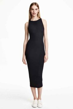 Welcome to H&M, your shopping destination for fashion online. We offer fashion and quality at the best price in a more sustainable way. Latest Fashion For Women, Fashion Online, Womens Fashion, Style Casual, My Style, Dress Skirt, Bodycon Dress, Tea Length Dresses, Everyday Look