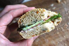 Sunde sandwichbrød | Brød og boller | Forstadsmor Salmon Burgers, Sandwiches, Bread, Flutes, Ethnic Recipes, Food, Flute, Brot, Essen