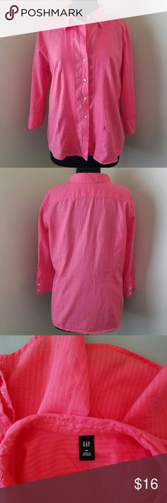 "GAP Coral 3/4 Sleeve Cotton Button Shirt, XL Lightweight coral pink, soft pleated striped, 3/4 sleeve, fitted, button-down shirt. Great condition!  100% cotton.   46"" bust, 26"" length. (All measurements are approximate.)  Size XL by the Gap. GAP Tops Button Down Shirts"