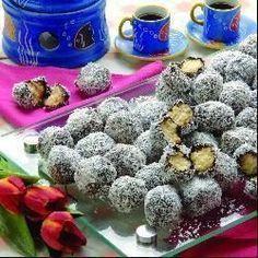 Beijos de mulata @ allrecipes.com.br Sugar Cookie Recipe Easy, Easy Cookie Recipes, Home Food, Other Recipes, No Cook Meals, Finger Foods, Allrecipes, Coco, Nutella