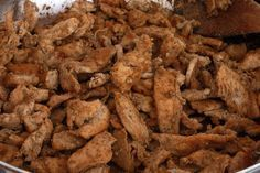 Μαγειρεύει για το κέφι της και σερβίρει για φίλους η Μαρία Τσεκούρα ΥΛΙΚΑ: Για 4 μερίδες: • 500 γρ. χοιρινές πανσέτες, χωρίς κόκαλο • αλάτι, φρεσκοτριμμένο πιπέρι • 1 κουτ. γλυκού ξερή ρίγανη • 1 κουτ. γλυκού ξερό θυμάρι • 1 κουτ. γλυκού πάπρικα γλυκιά, σε σκόνη • 1/2 φλιτζάνι (100 ml) καλής ποιότητας ξίδι …