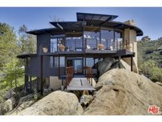 Photo of 300 LOMA METISSE Road, Malibu, CA 90265 (MLS # 16114634)