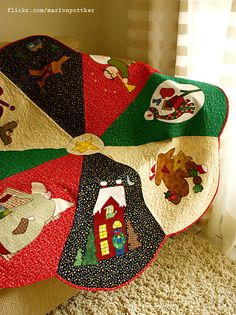 ~ Pie Wedge Appliqued Tree Skirt ~