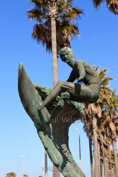 Edmund Shumpert Surfing Surfer Sculpture Statue Weblink: n/a Facebook page: https://www.facebook.com/Edmond-Shumpert-Sculptor-1628706994067553/timeline/